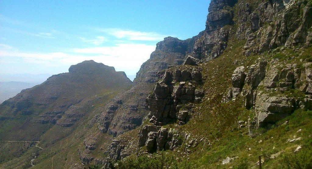 platteklip-gorge-hikin-trail