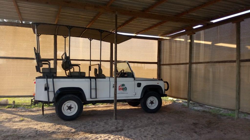 thali thali game drive vehicle