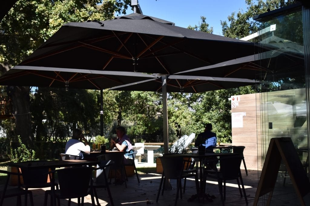 franschhoek-beer-company-outdoor-seating