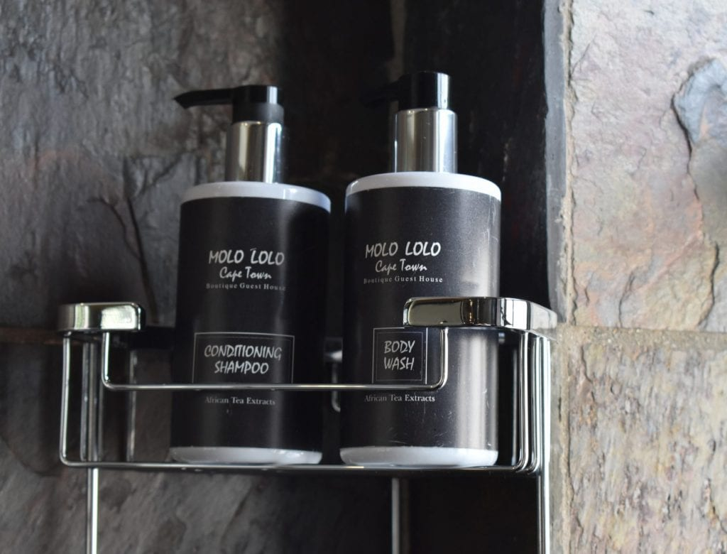 molo-lolo-group-toiletries