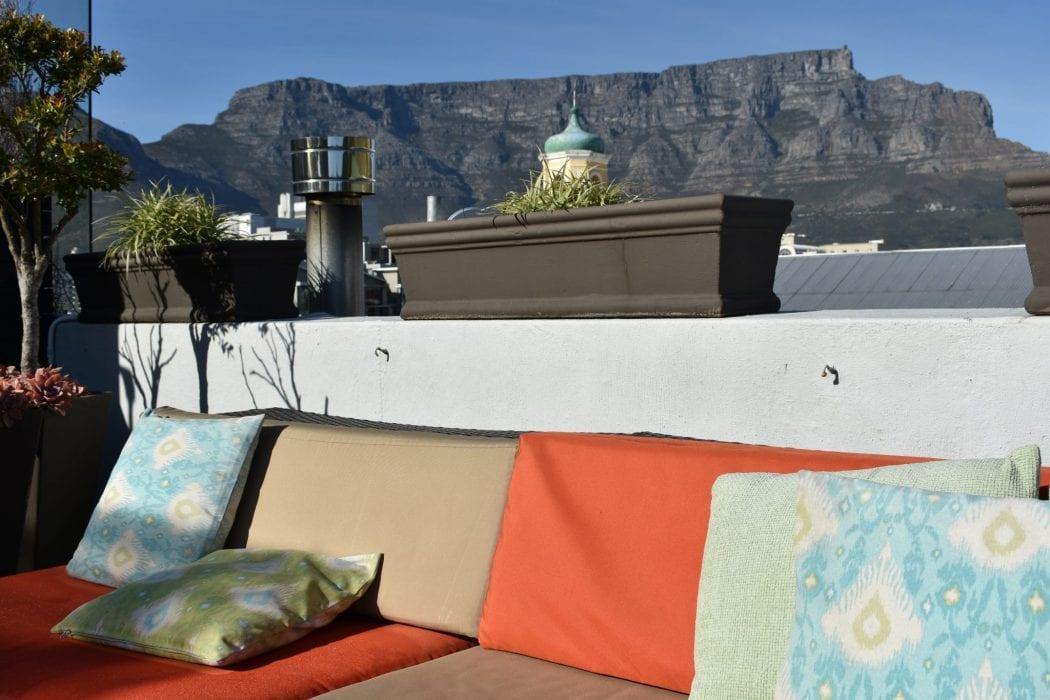 molo-lolo-lodge-rooftop-terrace