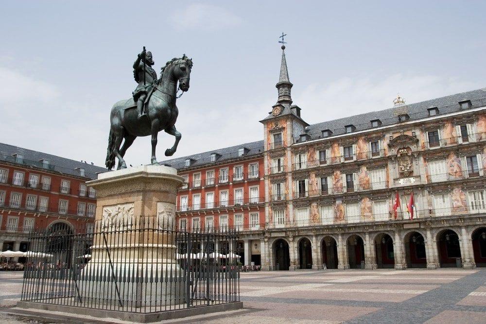 seeking-the-spanish-sun-perri-johnson-blog