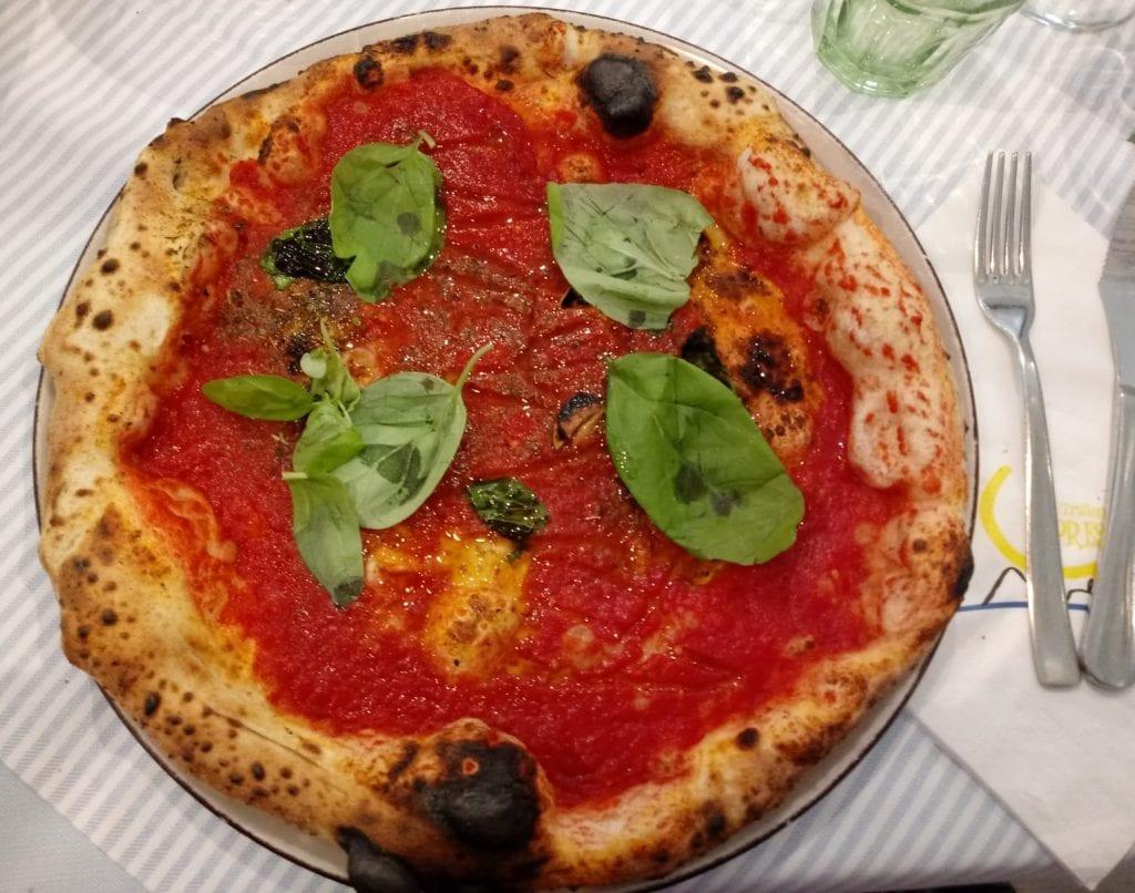 pizza-marinara-trieste-italy