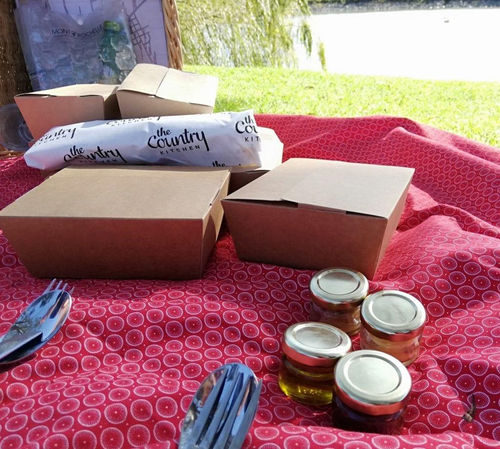 miko-picnic-mont-rochelle-wine-farm