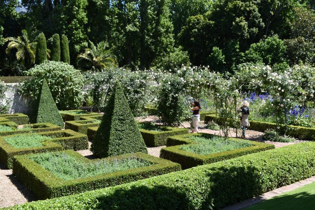 stellenberg-gardens-walled-garden