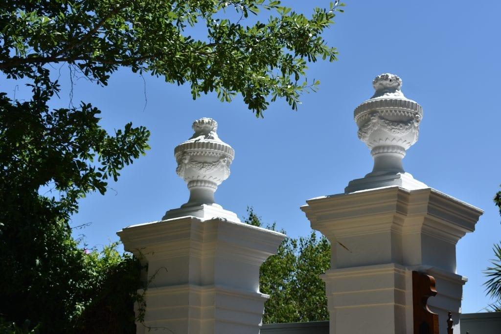 white-columns-stellenberg-open-garden
