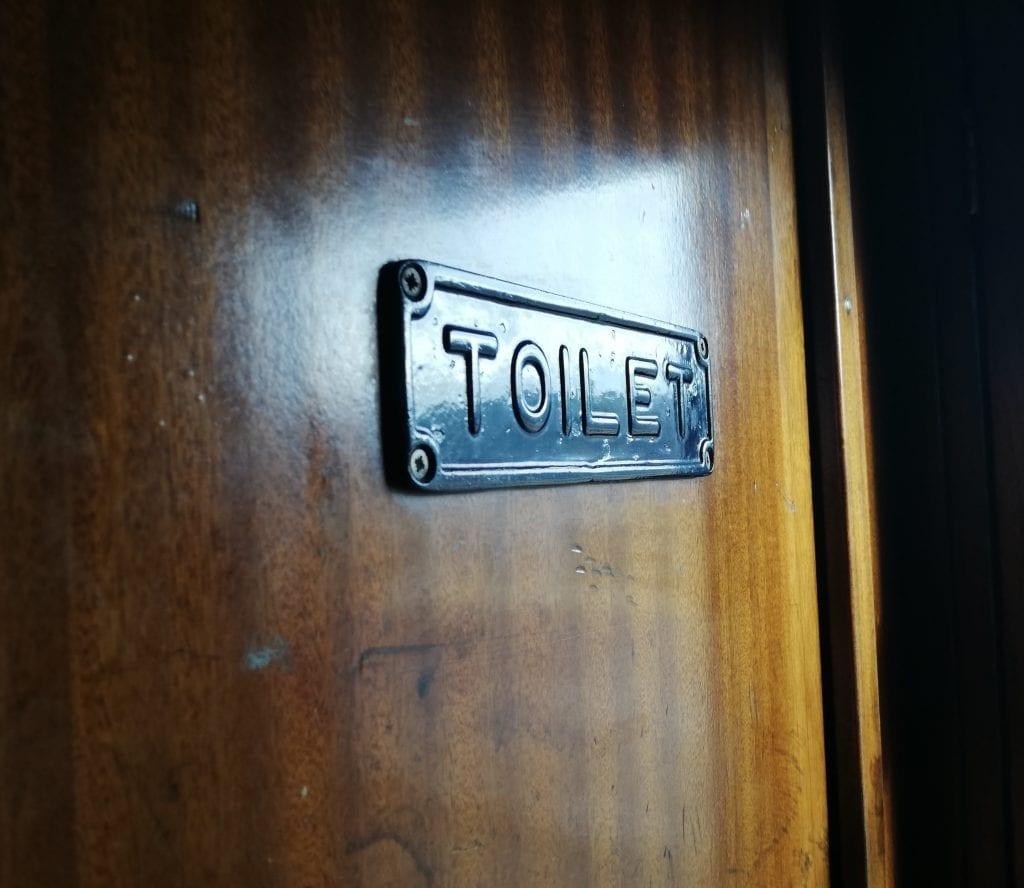 train-toilet