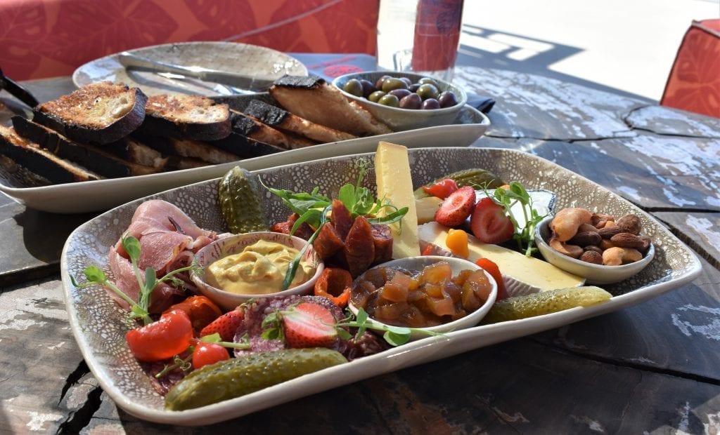 sunet-fridays-kunjani-wines-platter
