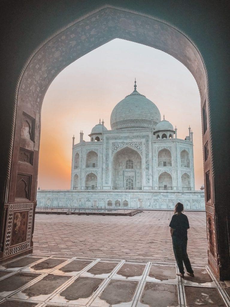 taj-mahal-lana-travels