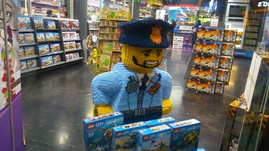 lego-hamleys-store