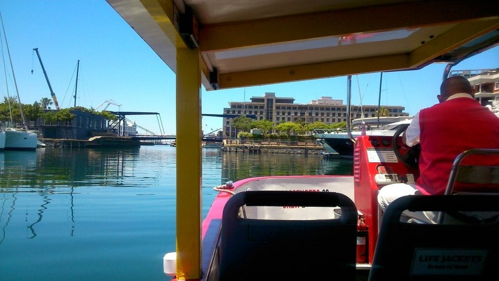 city-sightseeing-cape-town-harbour-cruise