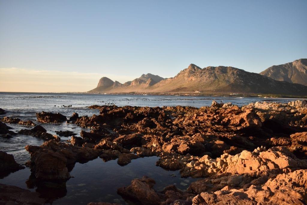 pringle-bay-beach-mountains