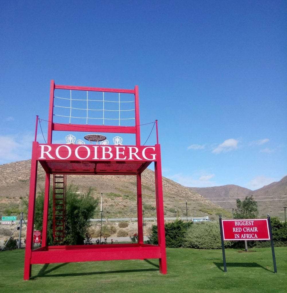 rooiberg-winery-red-chair