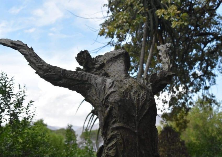 la-motte-statue