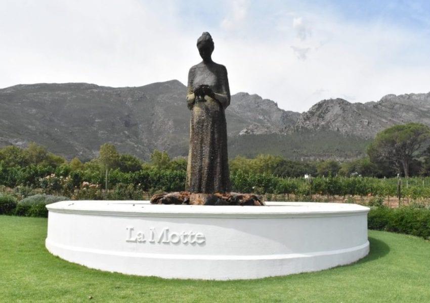 la-motte-garden-statue