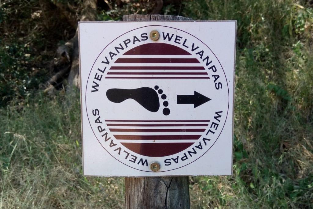 welvanpas-hiking-sign