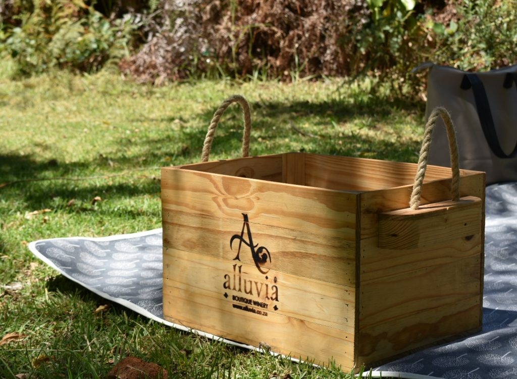 alluvia-picnic-basket