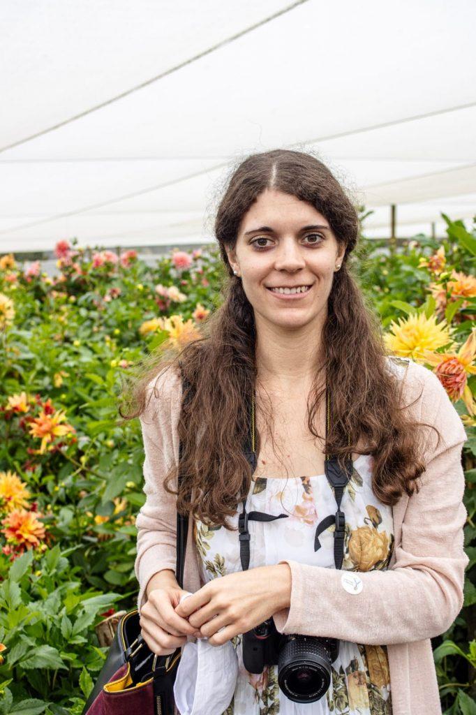 alicia-chamaille-online-tamlyn-amber-wanderlust-flowers