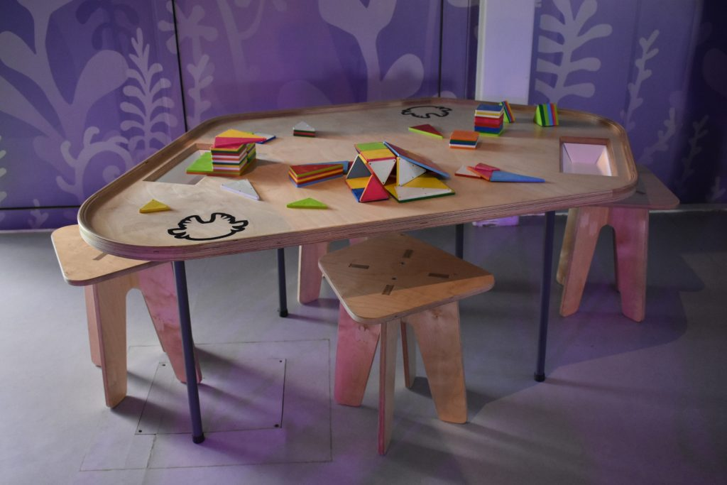 play-tables