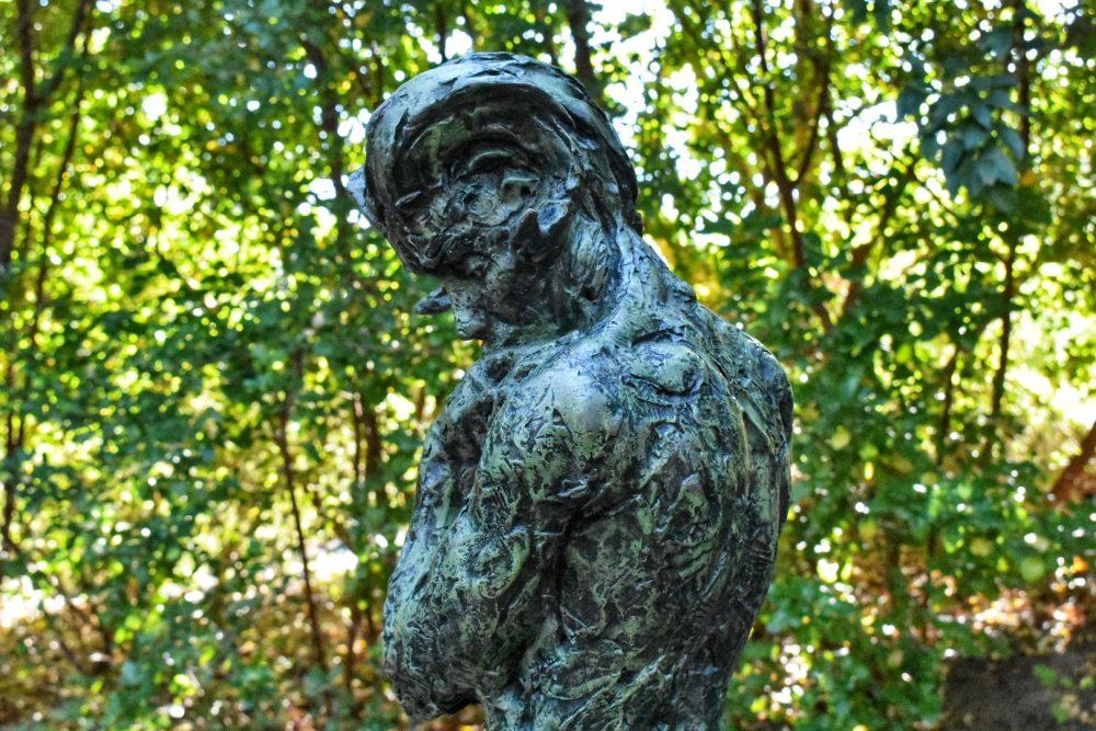dylan-lewis-sculpture
