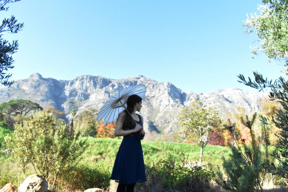 tamlyn-amber-wanderlust-dylan-lewis-garden