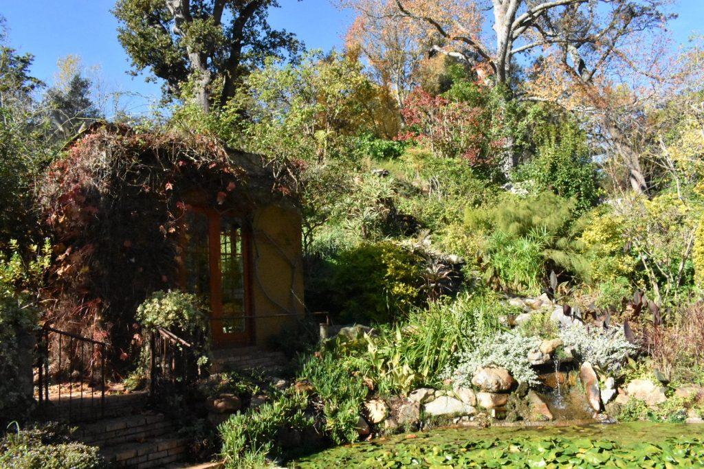 old-nectar-waterfall-garden