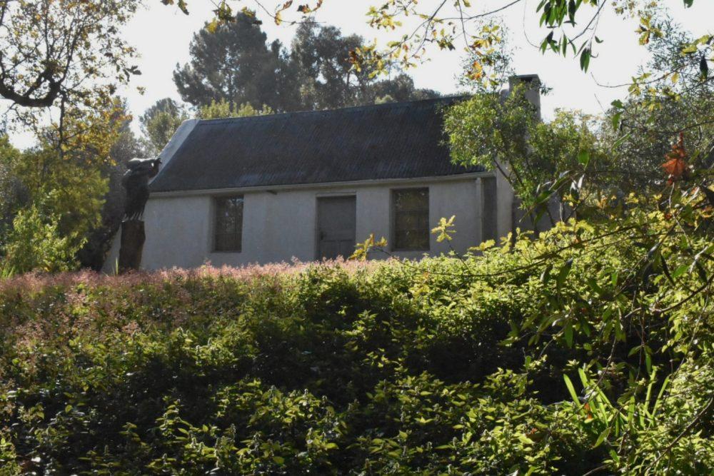 dylan-lewis-cottage
