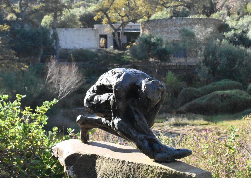 dylan-lewis-studio-sculpture-garden