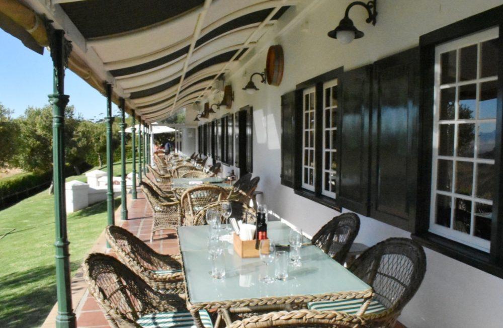 constantia-glen-restaurant-verandah