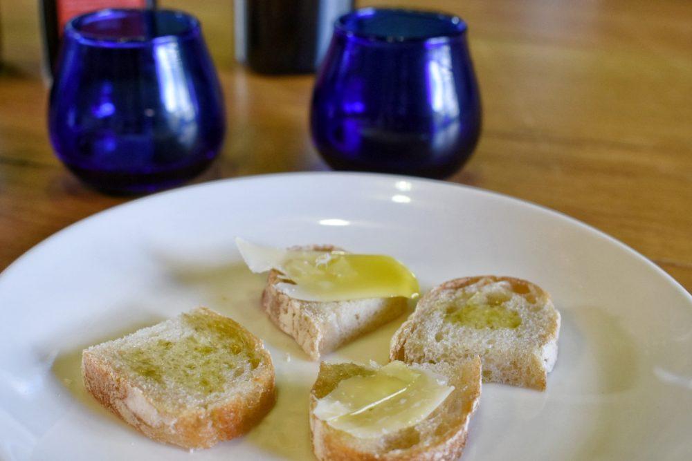 olive-oil-tasting-tokara