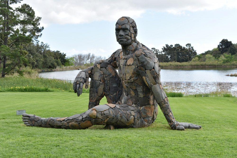 tokara-lawn-sculpture
