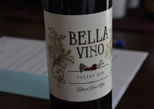 molo-lolo-lodge-wine